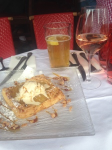 Rosé and apple tart